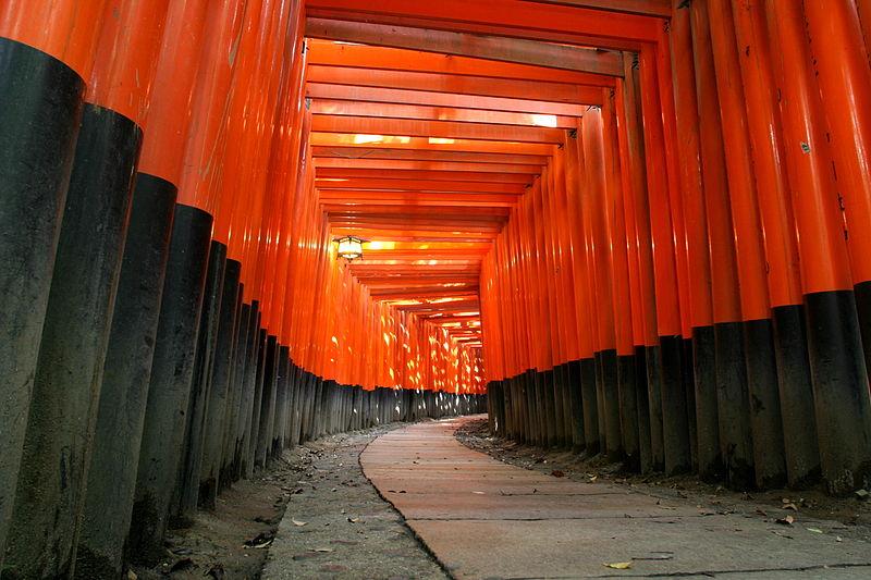 800px KyotoFushimiInariLarge