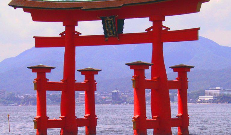 Skarby Japonii: Miyajima i niezwykła świątynia